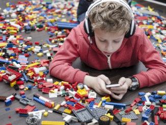 Trend: Smartphones und Drohnen erobern deutsche Kinderzimmer