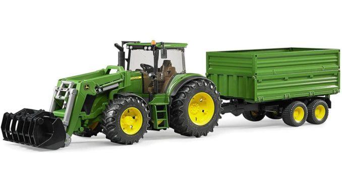 Bruder Traktor mit Anhänger